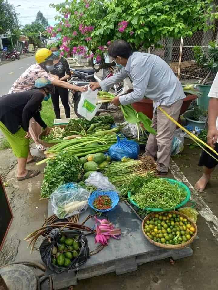Hội Nông dân quận Ô Môn đề nghị khen thưởng 2 tập thể và 3 cá nhân có những đóng góp tích cực cho công tác phòng, chống dịch COVID-19 (đợt 1)